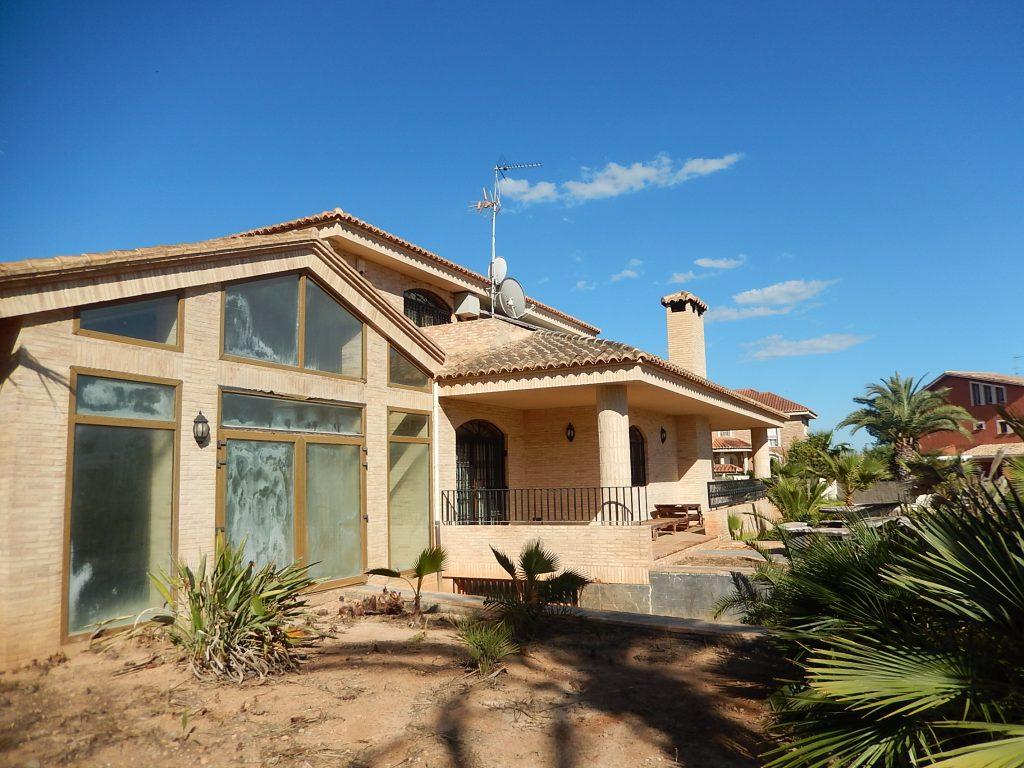 Busco casa de lujo en puzol grupo pineda inmobiliaria for Casas inmobiliaria