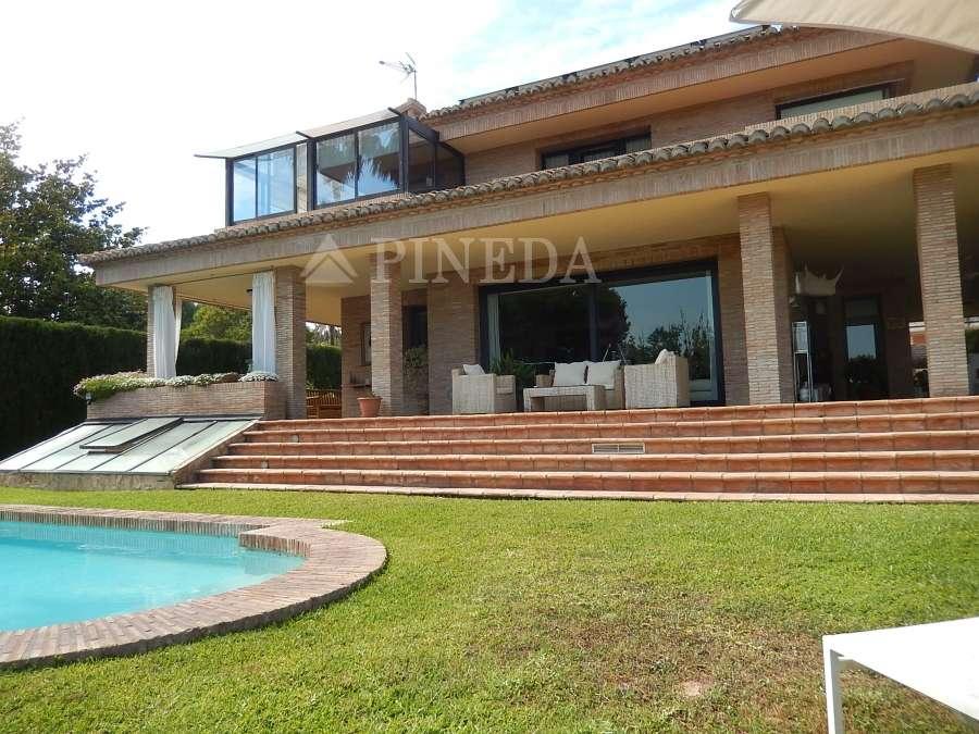 comprar-casa-de-lujo-en-monasterios-grupo-pineda-inmobiliaria-pineda-luxury-villas-puzol (2)