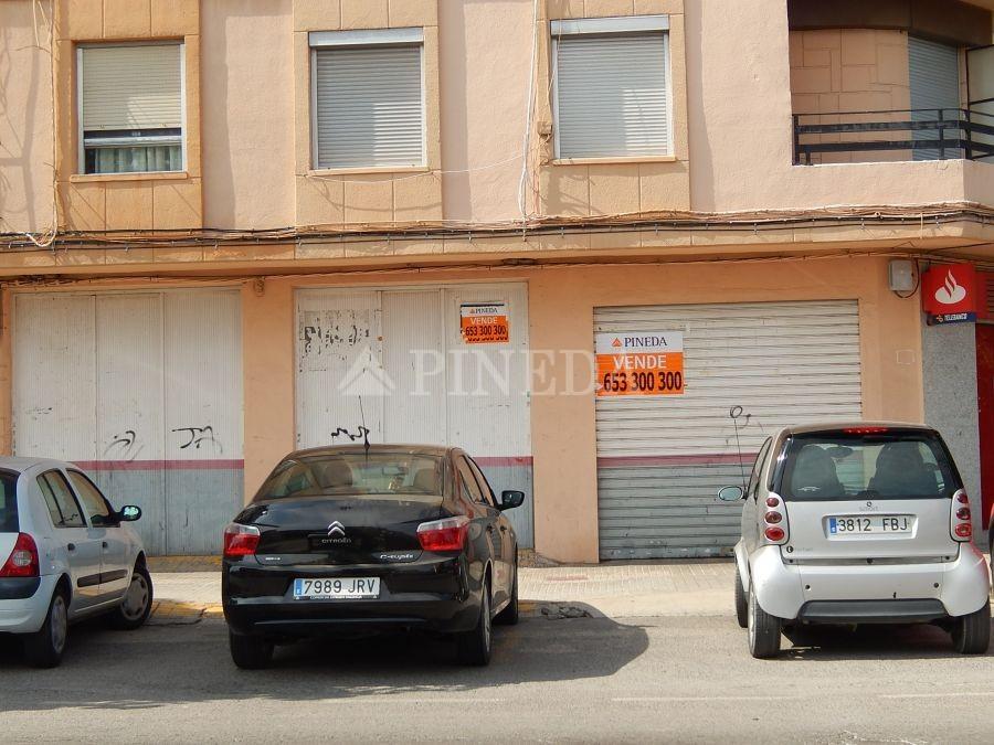 Imagen de Local en El Puig número 2